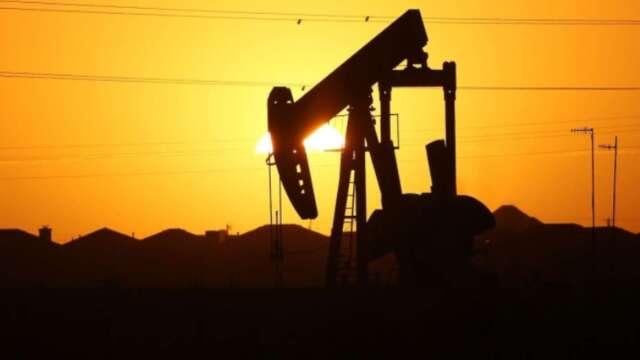 油價跌破零 全球最大原油ETF改動持倉(圖片:AFP)