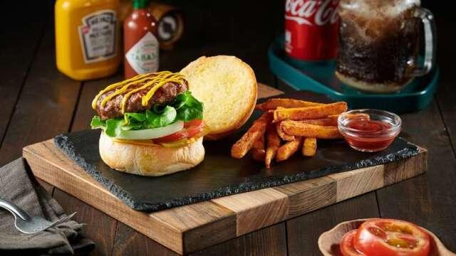 王品西堤牛排以牛小排肉製作漢堡。(圖:王品提供)