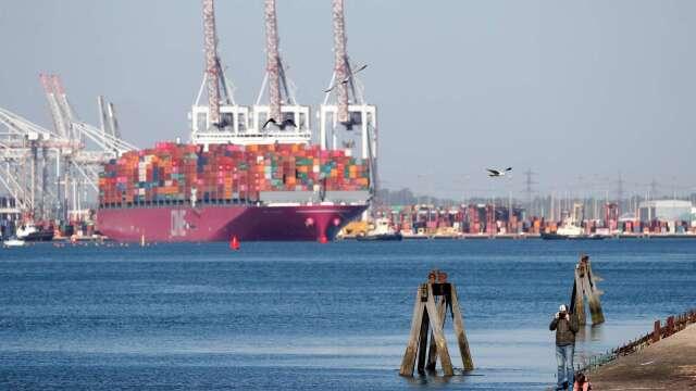 墨比爾斯:疫情之後 企業計畫將供應鏈撤出中國  (圖片:AFP)