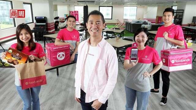方俊強(中)2012年就將Foodpanda引進台灣,眼看著外送市場從無到有到蓬勃,他直言:生鮮日用品外送將是下一波潮流,也是集團的全球策略!(攝影者.楊文財)