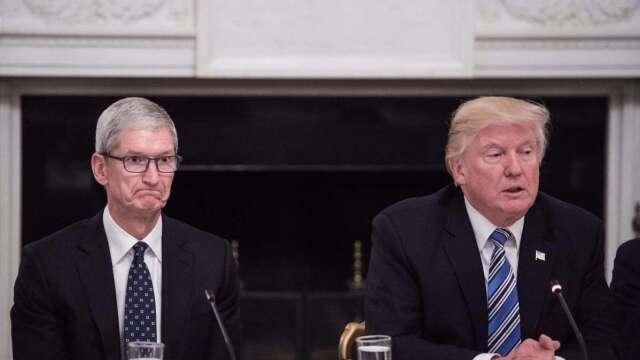 川普:蘋果庫克料經濟將呈「V 型復甦」(圖片:AFP)