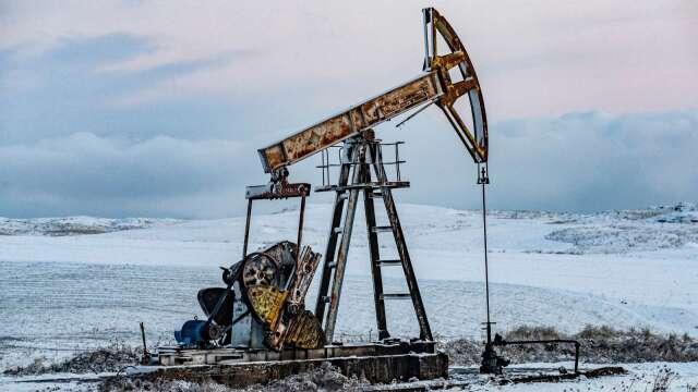 儲油設備稀少擔憂壓過減產利多 WTI油價早盤大跌24% (圖:AFP)