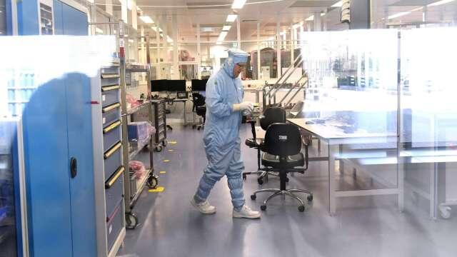 SEMI:晶片廠因應肺炎疫情做好準備 95%實施強制居家辦公。(圖:AFP)