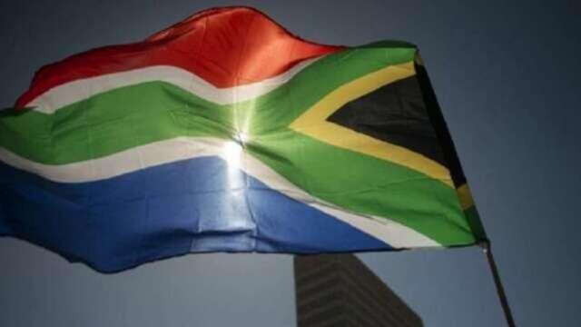 南非再遭標普降評 主權債評等已比投等級更低三級 (圖片:AFP)
