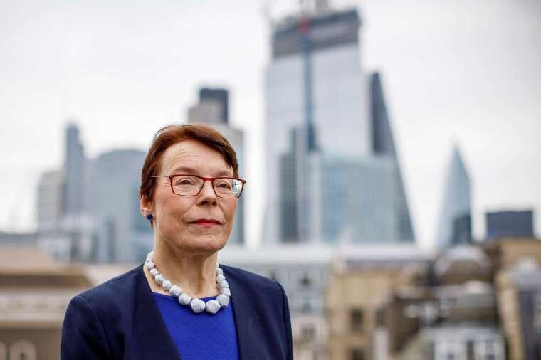 倫敦金融城政策與資源委員會主席 Catherine McGuinness(圖:AFP)