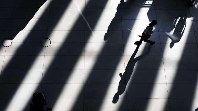 殖利率曲線指標之父:本輪經濟衰退將在 2020 年底結束 (圖片:AFP)