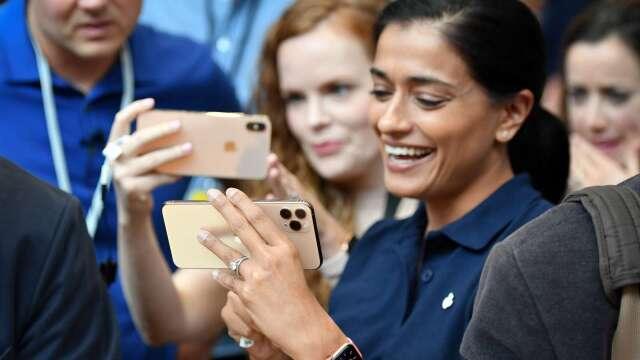 大摩:蘋果4月App Store下載量激增40% 淨營收年增31%(圖片:AFP)