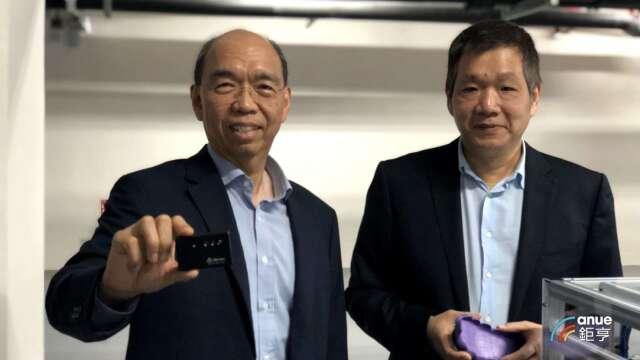 左為奇景光電執行長吳炳昌。(鉅亨網資料照)