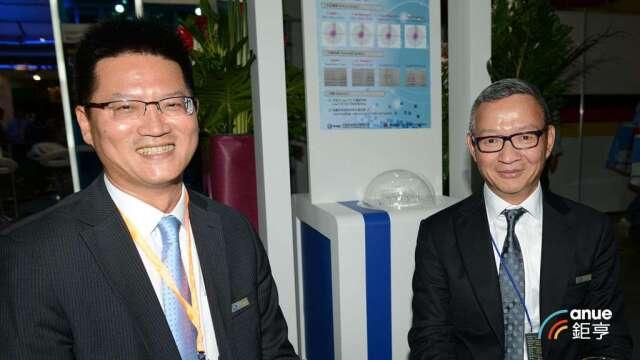 尖點總經理王嘉鴻(左)及董事長林序庭。(鉅亨網記者張欽欽發攝)
