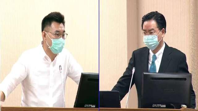 立委江啟臣(左)、外交部長吳釗燮(右)。(圖:擷自立法院隨選視訊)
