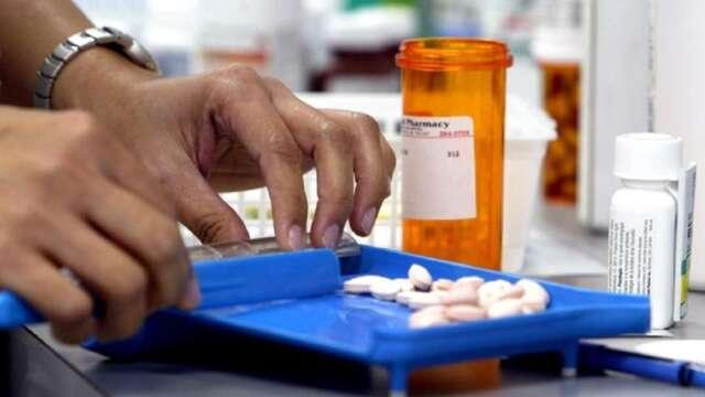 生技醫療製藥產業的能見度相對明朗,今年全年企業獲利預估上調2%。(圖:AFP)