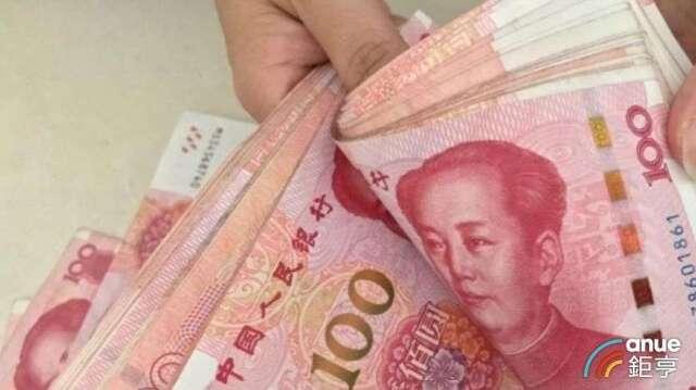 人民幣熱度降溫,國銀4月存款餘額跌破2500億元關卡。(鉅亨網資料照)
