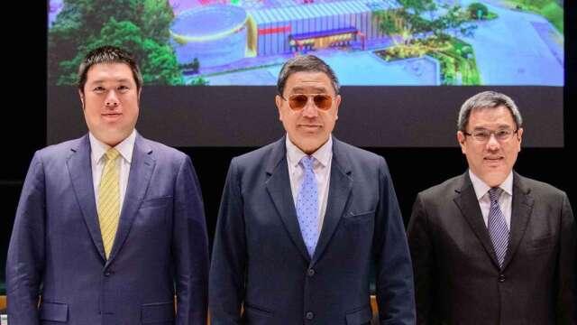 左起為國際中橡董事長辜公怡、台泥董事長張安平、台泥總經理李鐘培。(圖:台泥提供)