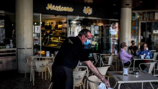 吃飯皇帝大!後防疫時期 消費者渴望外食 餐廳股看俏(圖片:AFP)