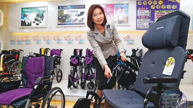 曾是長庚醫院護士的陳麗如,30年前創立杏一醫療,販售醫療照護器材,在海內外擁有272間門市,穩坐醫藥通路王。