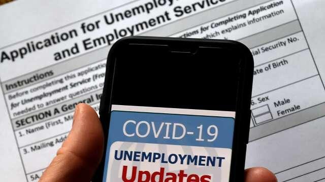 Fed官員:美國的兩位數失業率可能持續至年底(圖片:AFP)
