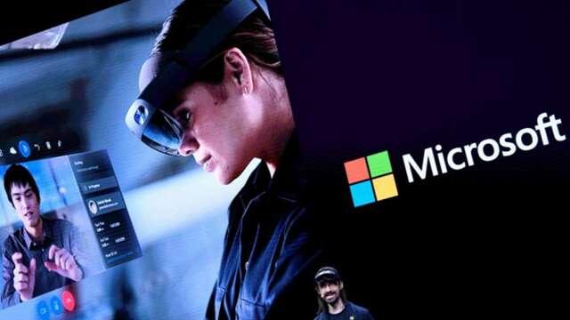 英國醫師運用微軟AR眼鏡Hololens看診,降低染疫風險。(圖:AFP)