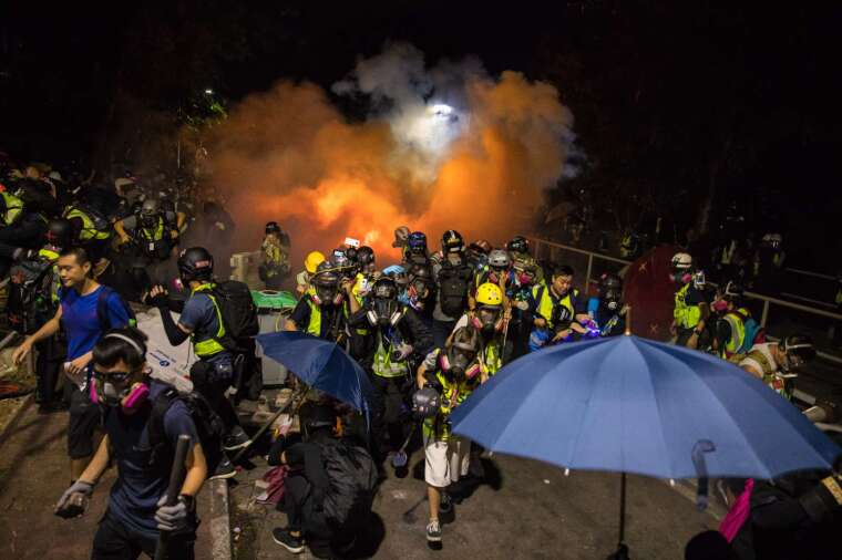 為避免反送中情況重演,中國人大計畫審議「香港版國安法」。(圖片:AFP)
