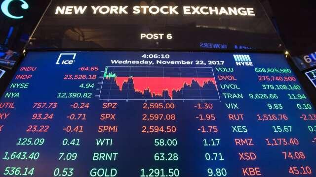 小摩策略師:美股估值偏高 宜關注固定收益資產(圖:AFP)