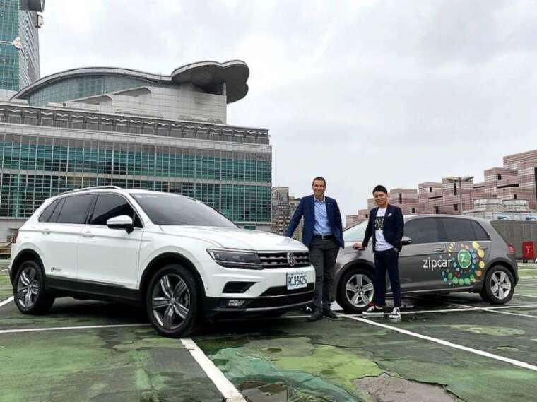 ▲台灣福斯汽車總裁 安士杰 Sacha Askidjian和 Zipcar董事長 彭仕邦 Andy代表雙品牌合作,提供各式Volkswagen汽車選擇