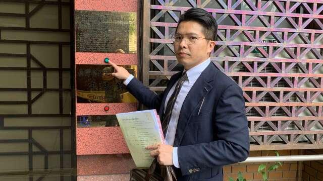 友訊股東委託律師赴北檢提告。(圖:友訊股東提供)