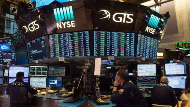 經濟重啟促美股連兩日大漲 道瓊早盤突破25000點  (圖:AFP)