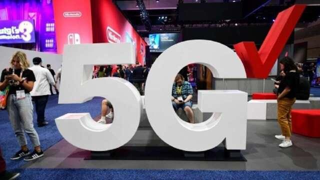 5G需求強勁,也帶動數據中心、5G通信基地台等相關REITs表現。(圖:AFP)