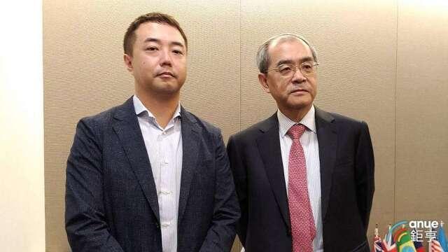 研華董事長劉克振(右)以及董事劉蔚志。(鉅亨網記者彭昱文攝)