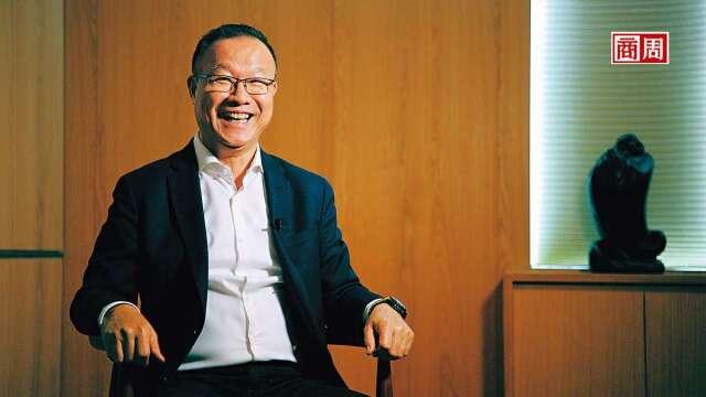 台灣引興董事長王慶華總在不斷思考改善所有事,包括自我形象。(圖:攝影者程思迪/商周提供)