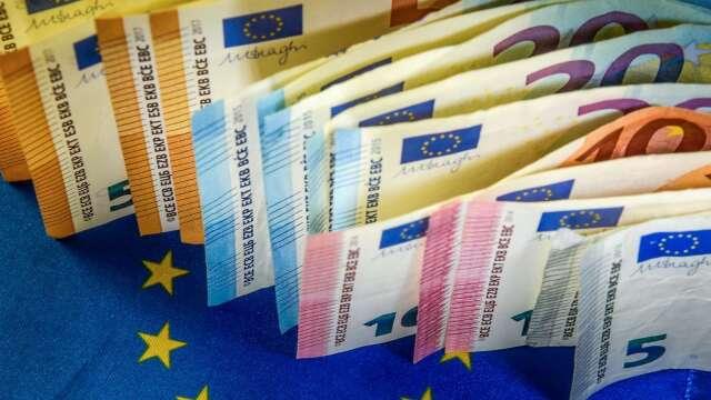 〈紐約匯市〉 經濟重啟前景樂觀 美元跌至兩個月來低點 歐元走強(圖片:AFP)