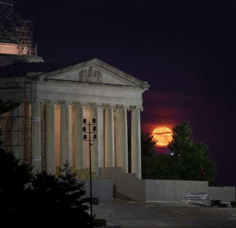 月球資源該誰說了算?(圖: AFP)