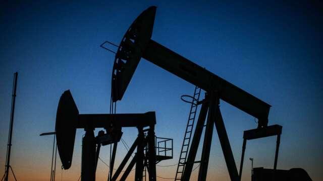 西德州原油5月飆漲88%,需求前景仍黯淡。(圖:AFP)