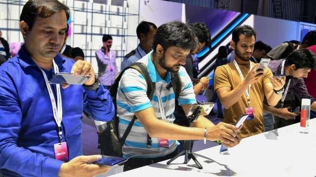 印度祭出66億美元激勵方案 盼打造全球智慧手機製造中心 (圖:AFP)