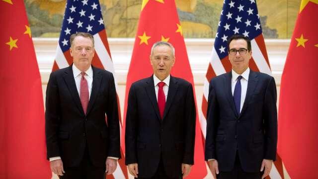 萊特海澤 (左一) 肯定中國信守美中第一階段協議承諾。(圖片:AFP)