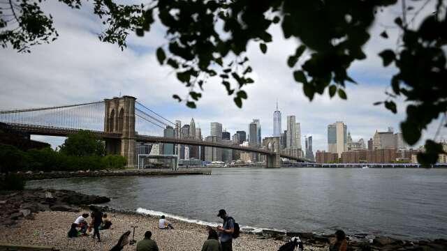 重啟經濟的第一哩路 紐約市今日重新開放 估40萬人重返崗位 (圖:AFP)