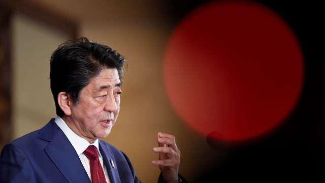 日本拼紓困 近32兆日圓補正預算案正式通過 (圖片:AFP)