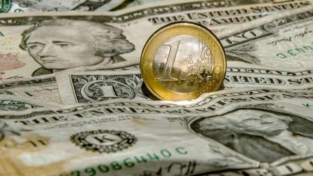 投機者連3週減碼美元指數多單 看多歐元情緒升溫(圖:AFP)