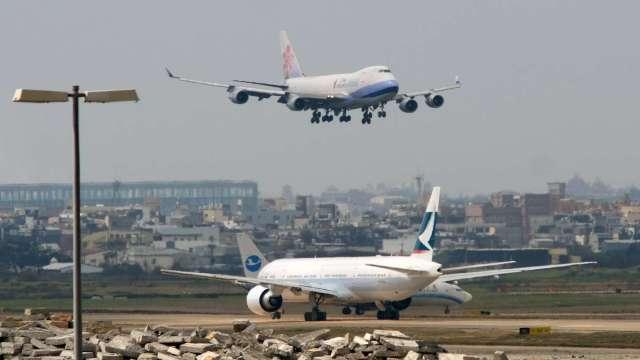 國際航班尚未恢復 外交部四度核准外籍人士延長滯台30天。(圖:AFP)