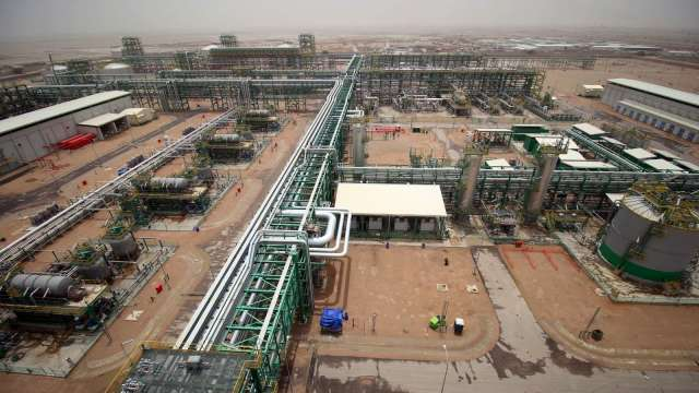 伊拉克稱將削減15%原油出口 油價止跌反彈 (圖:AFP)