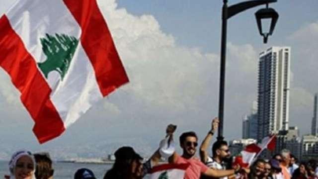 凱撒法案生效 黎巴嫩貨幣遭殃暴貶70% 民眾瘋搶美元。(圖:AFP)