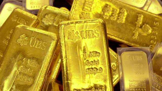 高盛上調黃金目標價:美元貶值將吸引買氣(圖片:AFP)