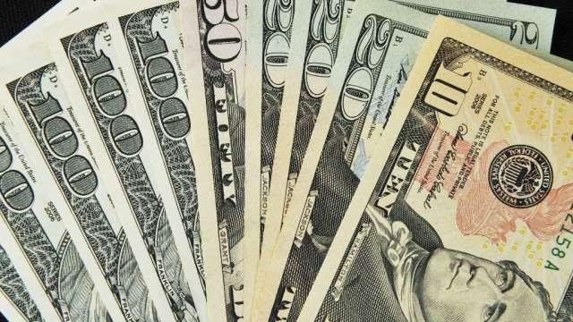 看法轉向 美元持倉近110週首度進入看跌區域(圖:AFP)