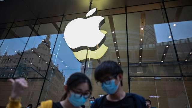 WWDC利多消息激勵! 華爾街多家看漲蘋果(圖片:AFP)