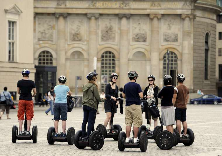 〈鉅亨看世界〉Segway 電動平衡車即將停產 (圖片:AFP)