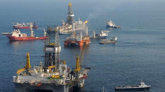 鑽探合約量驟降 離岸原油鑽探商恐面臨二波破產潮 (圖:AFP)