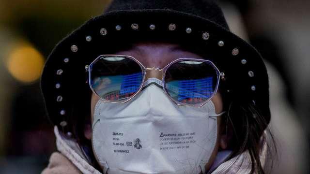 避險基金大咖橋水警告:疫情恐持續18到24個月(圖片:AFP)