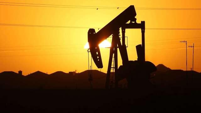 〈能源盤後〉新冠確診數增加 抵銷中國樂觀數據 原油收低 但Q2驚人大反彈(圖片:AFP)