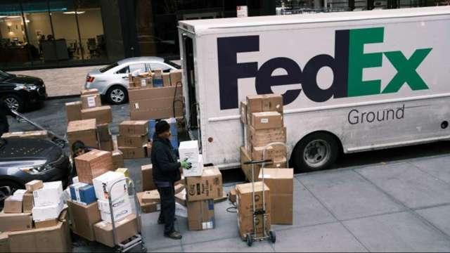 〈財報〉疫情引爆網路購物需求 FedEx財報優於預期股價大漲9% (圖:AFP)