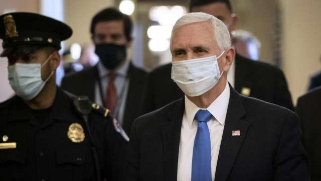 美連假到來疫情惡化 德州下令戴口罩 彭斯:全國沒必要強制 (圖:AFP)