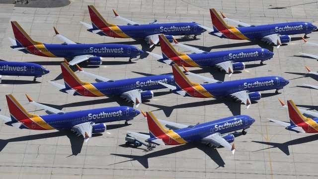 美國連假航空需求飆升!TSA機場哨站人數月增90%(圖片:AFP)